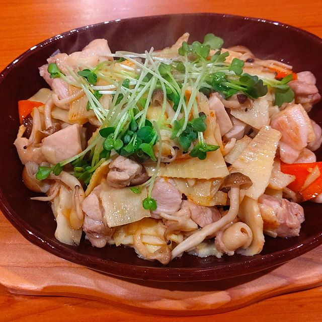 筍姫×鶏×ニンジン×キノコ炒め