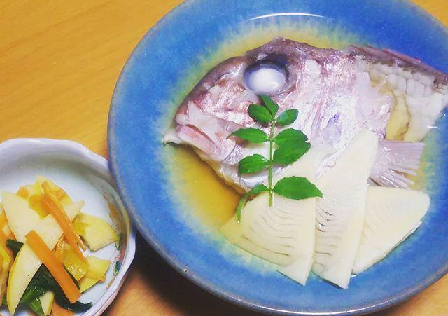 筍姫と鯛のお頭炊き穂先の方は魚と一緒に炊きましたなんか上品️出汁もしみわたり美味しいです#筍姫 #阿波たけのこ農園 #筍姫の里 #タケノコ #国産 #国産タケノコを食べよう #地産地消 #農業 #japan #tokushima #bambooshoots