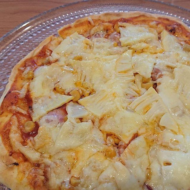 筍姫のピザシャキシャキ食感と甘味が美味しいタケノコのピザ記事もこどもたちがコネコネ手作り️ オーブントースターでカリッと仕上げて、おうちで楽しく美味しく頂きました️ #筍姫 #阿波たけのこ農園 #筍姫の里 #ピザ #ピザ作り #食育 #国産 #しいたけ #地産地消 #タケノコ #タケノコレシピ #国産タケノコを食べよう #tokushima #japan  #pizza #bambooshoots #こどもごはん