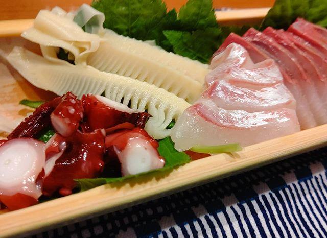 筍姫&お刺身器も竹だよ!!! #筍姫 #刺身 #竹 #青竹 #農家めし #タケノコ #工作 #竹の器 #bambooshoots #bamboo #sashimi #japan #料理好きな人と繋がりたい #阿波たけのこ農園