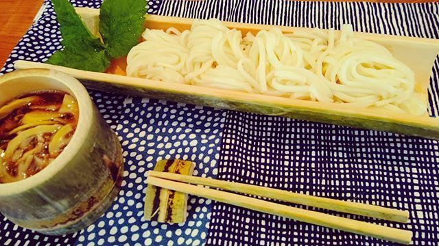 竹うどん汁には筍姫たっぷりうつわ、椀、箸、箸置き手作り食器の食卓です#筍姫 #竹の器 #うどん #竹 #阿波たけのこ農園 #おうちごはん